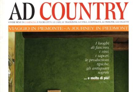 Rapsodia cromatica, un casale piemontese su AD Country 2002